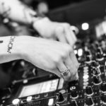 """DJ es asesinado por tocar """"música aburrida"""""""
