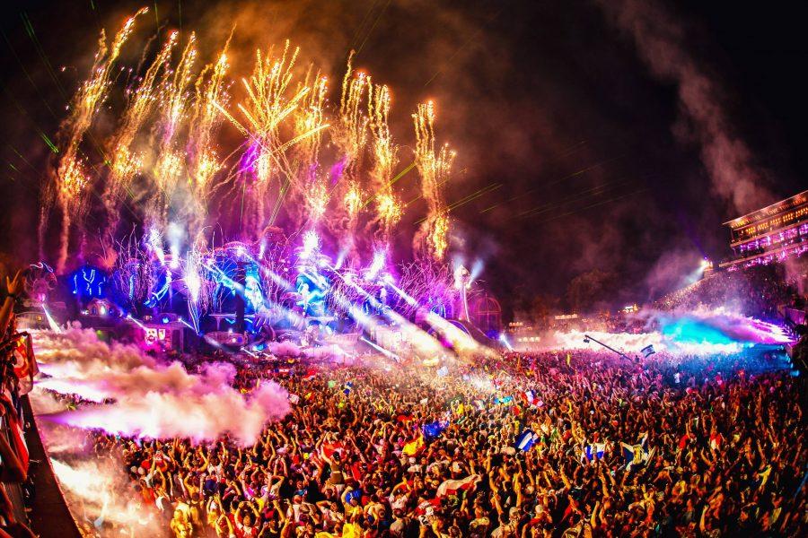 Tomorrowland revela el line up completo para su décimo quinto aniversario.