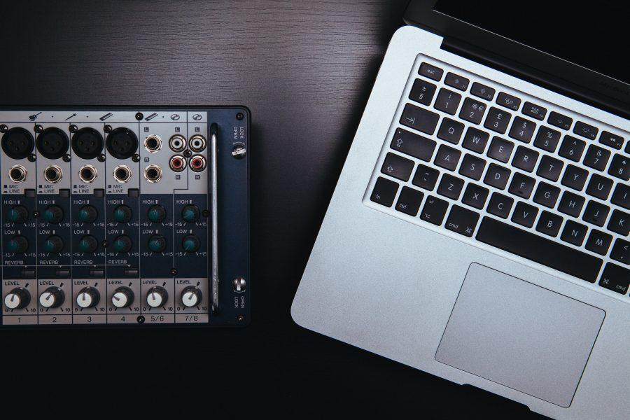 +Mas Label y EMPO están en búsqueda de su próximo productor y DJ para firmarlo.
